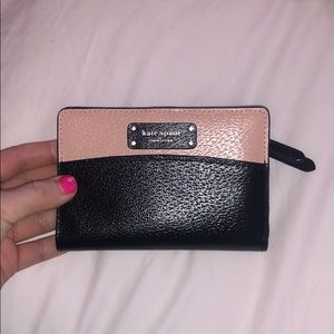 Kate spade slim bifold wallet, new with tags!